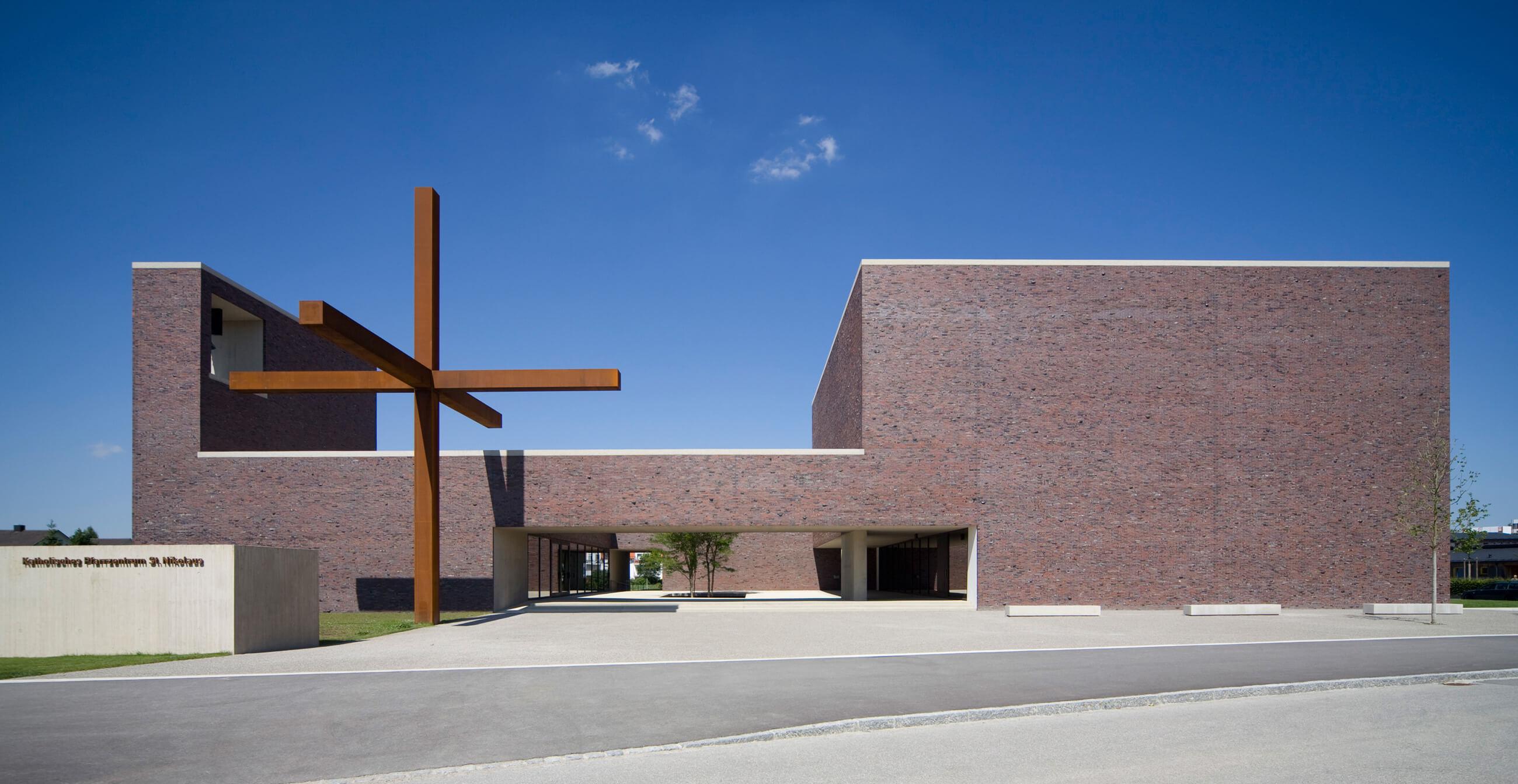 Pfarrzentrum St. Nikolaus, Neuried